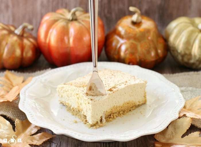 Skinny Pumpkin Cheesecake is a no-bake pumpkin cheesecake that is lighter than the traditional version but still has all the classic flavors that you love!