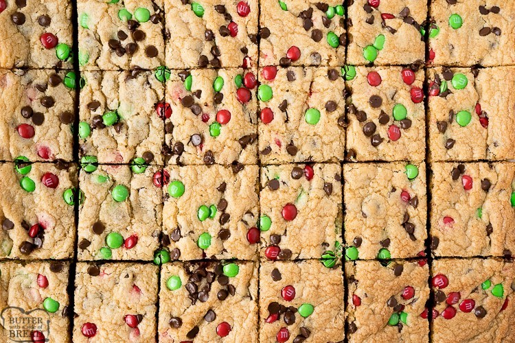 Christmas cookie bars with M&M's