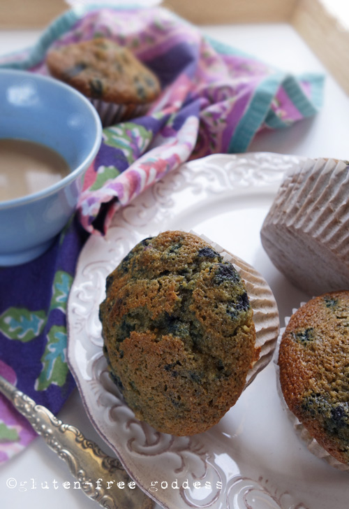 Gluten-Free Blueberry Muffins without xanthan gum from Karina #glutenfree