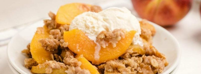 EASY PEACH CRUMBLE RECIPE - Butter with a Side of Bread