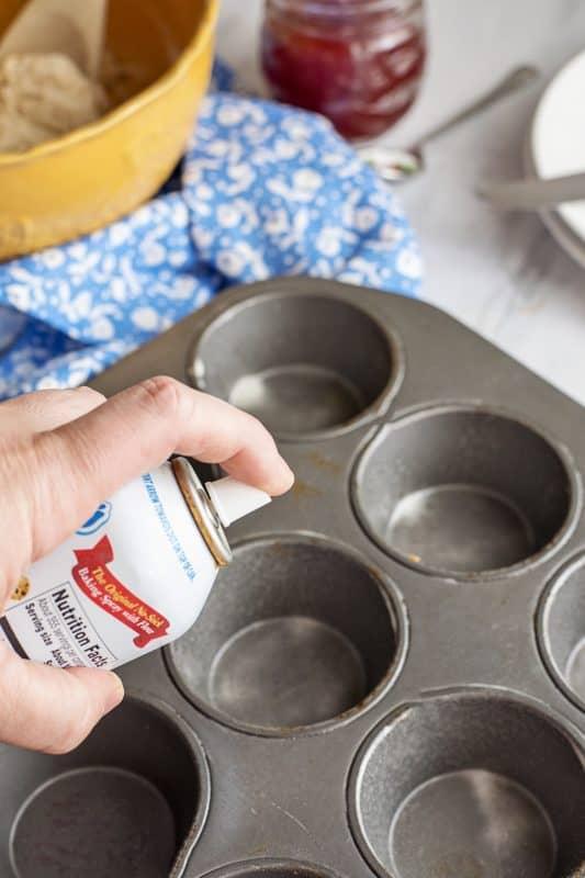 Spraying pan