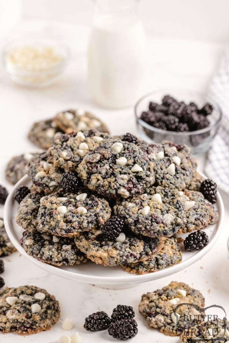 Oatmeal cookies with fresh blackberries and white chocolate chips