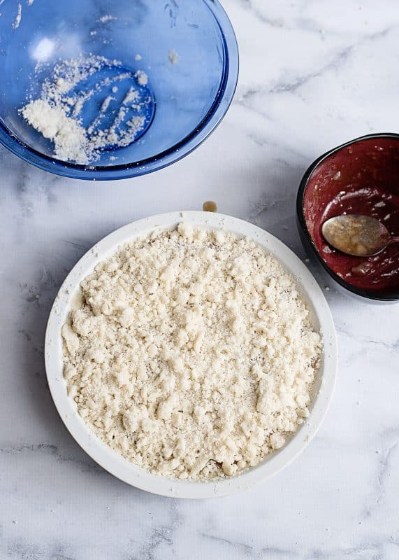 spread topping on cheesecake
