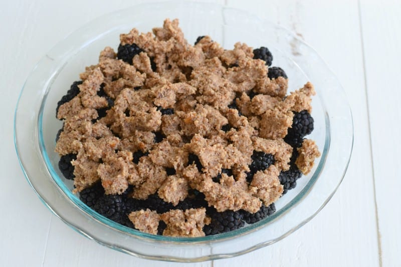 Low Carb & Delicious Berry Crisp