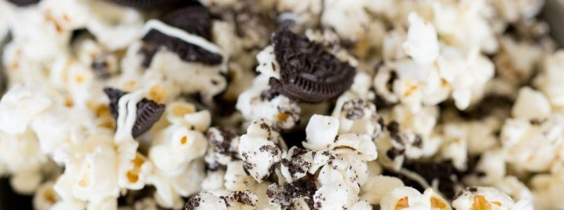 OREO POPCORN - Butter with a Side of Bread