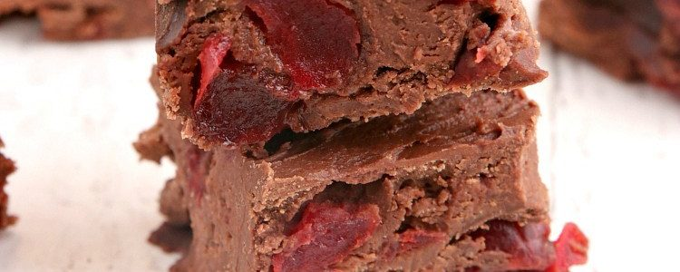 EASY CHERRY CHOCOLATE FUDGE - Butter with a Side of Bread