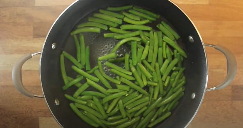 boiling green beans