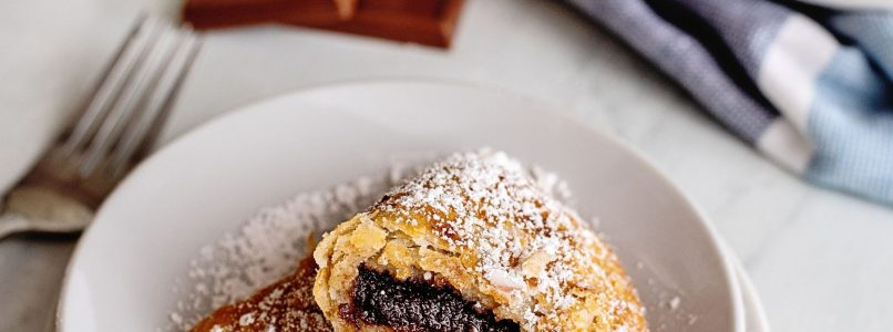 chocolate fried pies with powdered sugar
