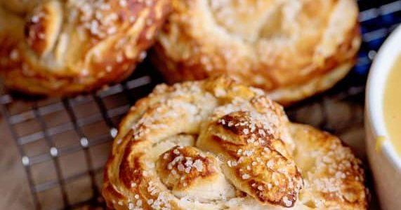 Biscuit Pretzels - AMAZING Pretzels From Canned Biscuits!