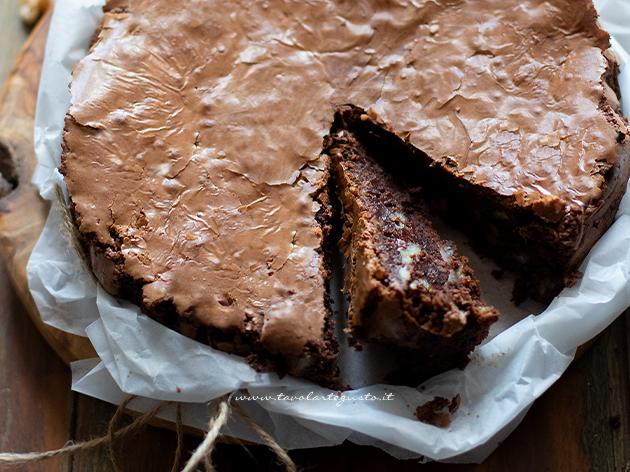 nut and chocolate cake