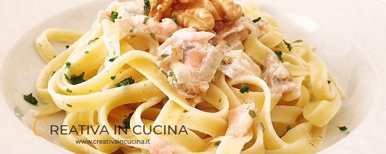 Salmon and walnut pasta recipe from Creativa in the kitchen