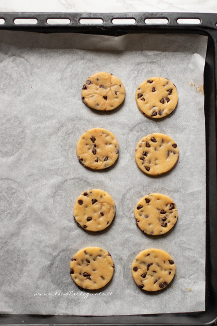 biscuits without butter with chocolate
