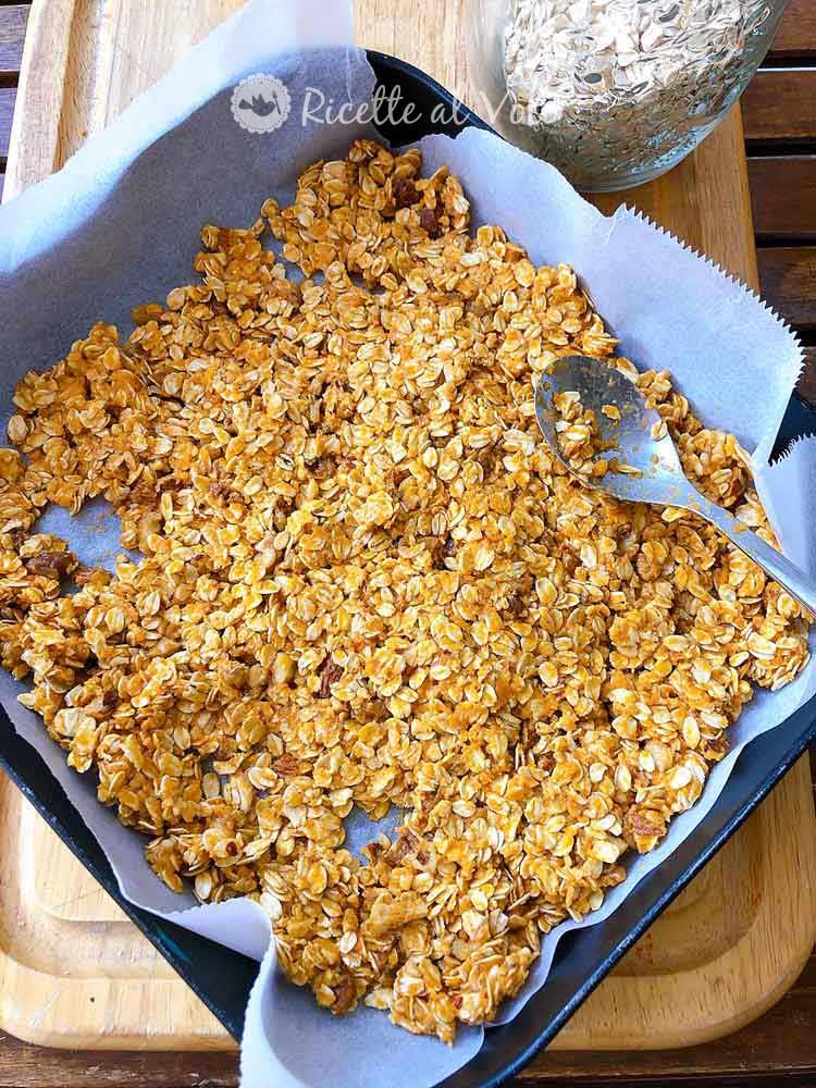 crunchy pumpkin granola