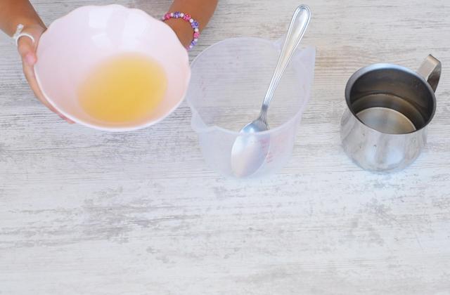 "Lemon lime and mint popsicles ""width ="" 449 ""height ="" 295 ""srcset ="" https://www.sempliceveloce.it/wordpress/wp-content/uploads/2018/07/Ghiaccioli-al-limone-lime- e-mint_07.jpg 640w, https://www.sempliceveloce.it/wordpress/wp-content/uploads/2018/07/Ghiaccioli-al-limone-lime-e-menta_07-300x197.jpg 300w ""sizes ="" ( max-width: 449px) 100vw, 449px"