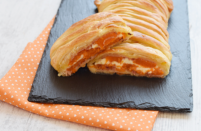 """Strudel with pumpkin and speck """"style ="""" width: 640px;"""